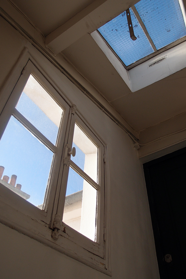 巴黎六區公寓樓梯間