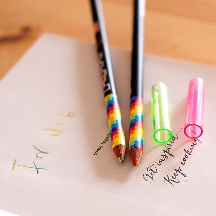 彩虹色鉛筆