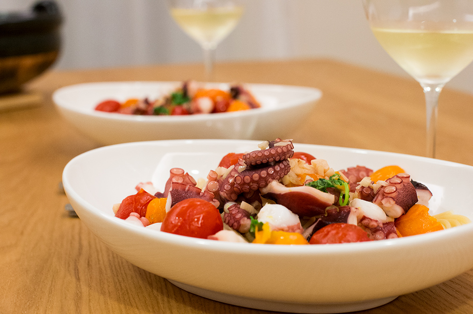 蒜香奶油番茄章魚義大利麵