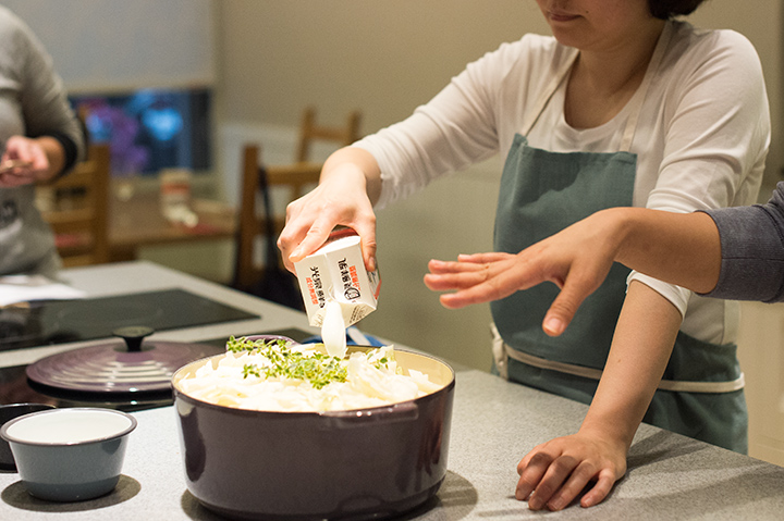 春高麗菜與百里香的奶香濃湯
