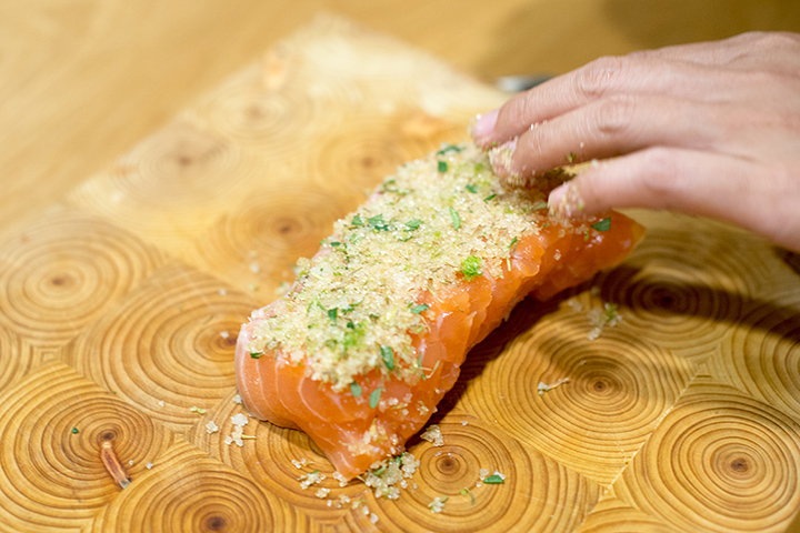 糖鹽漬鮭魚酪梨沙拉(Sugar Cured salmon & avocado salad)