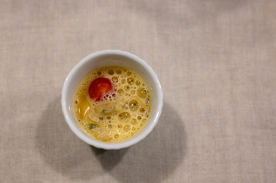 蛤蜊蒸蛋佐龍蝦湯泡泡