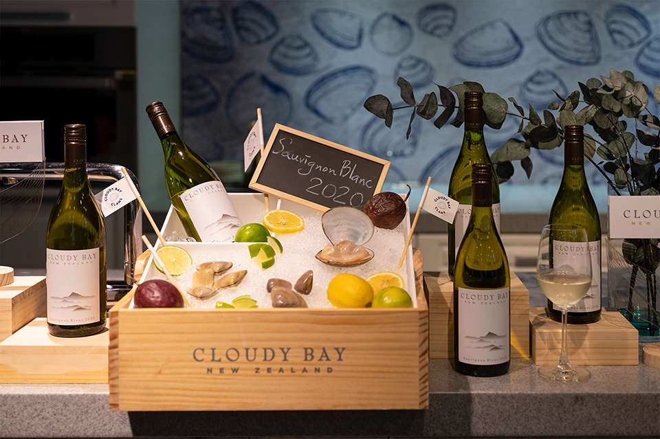 Cloudy Bay Sauvignon Blanc 2020 vs. 衝浪貝