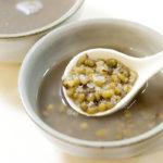 輕鬆用電鍋煮出鬆軟入味的綠豆湯,還有綠豆水