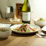 【酒食搭配】用紅咖哩雞肉飯和夏多內白酒來告別夏天
