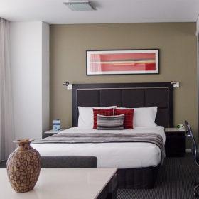 Meriton Suites Campbell Street