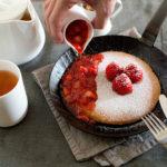 用 Turk 斜紋鍛鐵鍋煎出皮脆心軟的鬆餅