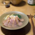 買了日本大蔥之後,做了烤飯糰大蔥鴨湯