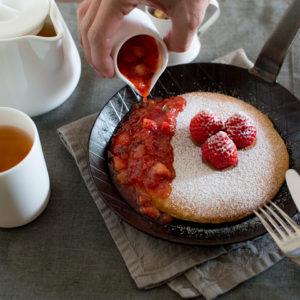 Pancake 佐新鮮草莓以及手熬草莓果醬