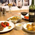 【酒食搭配】以媽媽也會愛的輕盈果香葡萄酒來搭配母親節大餐
